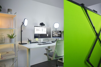 greenscreen work from home with zoom or teams